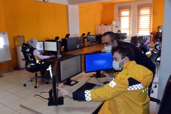 112 Acil'e gelen asılsız ihbarlar yok artık dedirtti! Yol açtırmak için ambulans, halı yıkatmaya itfaiye istiyorlar