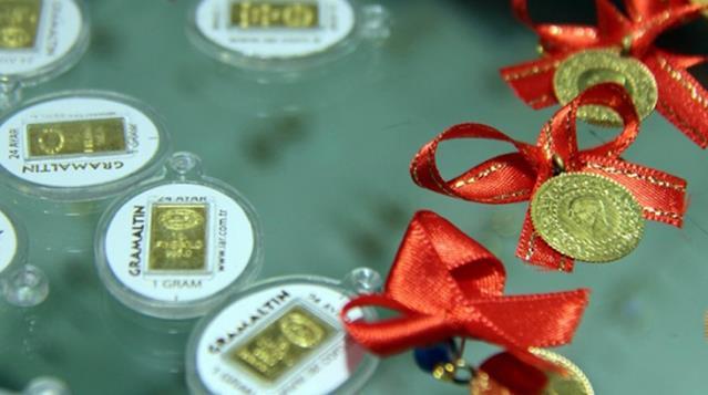 Güne yükselişle başlayan altının gram fiyatı 453 liradan işlem görüyor