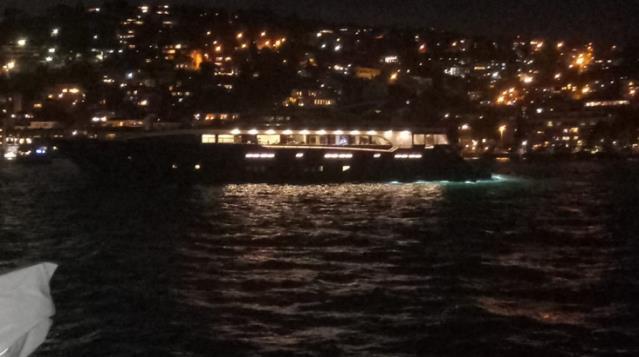 İstanbul Boğazı'nda kaçak yılbaşı eğlencesine polis baskını