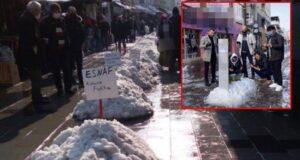 Pandemiden etkilenen işletmeciler kardan mezar yaptı: Esnaf öldü