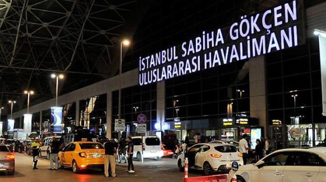 Sabiha Gökçen Havalimanı'nda helikopterin kuyruğu elektrik diğerine çarptı
