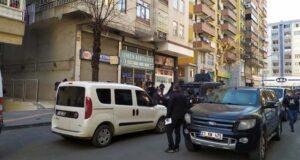 Son Dakika: Diyarbakır'da avukatlık bürosunda 3 kişi ölü bulundu! Doğal gaz sızıntısına bağlı zehirlenme şüphesi üzerinde duruluyor