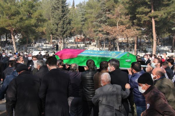 Yorgun mermi kurbanı Büşra'nın cenazesinde yürek yakan sözler: Bizi birbirimizden ayırmayın