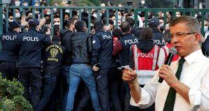 Boğaziçi'ndeki gözaltılara tepki gösteren Davutoğlu, sorunların çözümü için yol gösterdi