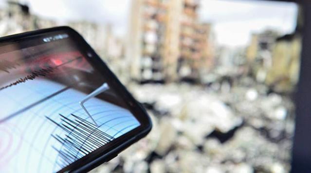 İzmir'de 4.7 büyüklüğünde bir deprem daha