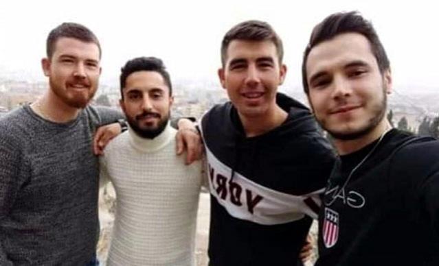 Manisa'da ölü bulunan 4 gençten geriye omuz omuza çekilmiş fotoğrafları kaldı