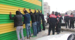 Şanlıurfa'da iki aile arasında çıkan kavgada 30 kişi gözaltına alındı