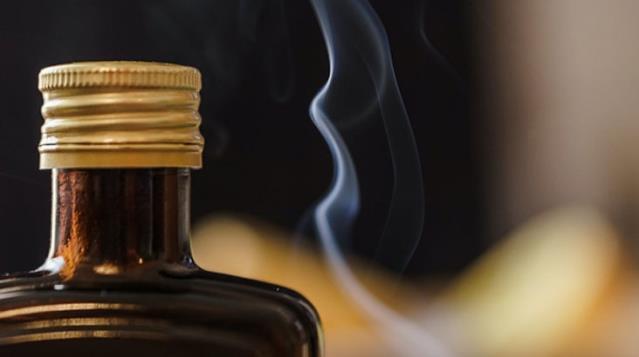 Sigara ve alkol kullanımıyla mücadelede yeni yasaklar geliyor! Nargile kafe ve meyhanelerin tabelaları inecek