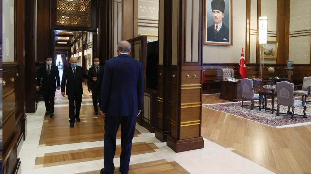 Son Dakika: Cumhurbaşkanı Erdoğan ile MHP lideri Bahçeli'nin görüşmesi sona erdi