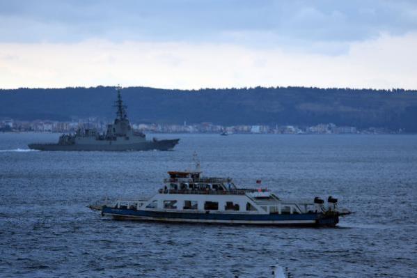 İspanya savaş gemisi 'SPS Cristobal Colon', Çanakkale Boğazı'ndan geçti