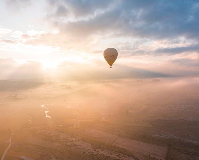 3 bin yıllık vadide sıcak hava balonları uçmaya başladı