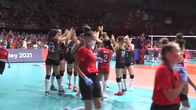 A Milli Kadın Voleybol Takımı, 2021 Avrupa Şampiyonası son 16 turunda Çekya'yı 3-1 yenerek çeyrek finale yükseldi