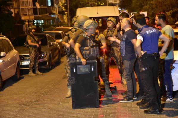 Anne ile 2 oğlu PÖH destekli baskınla gözaltına alındı