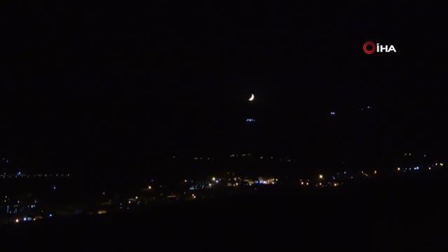 Yüksekova'da hilal ay güzelliği